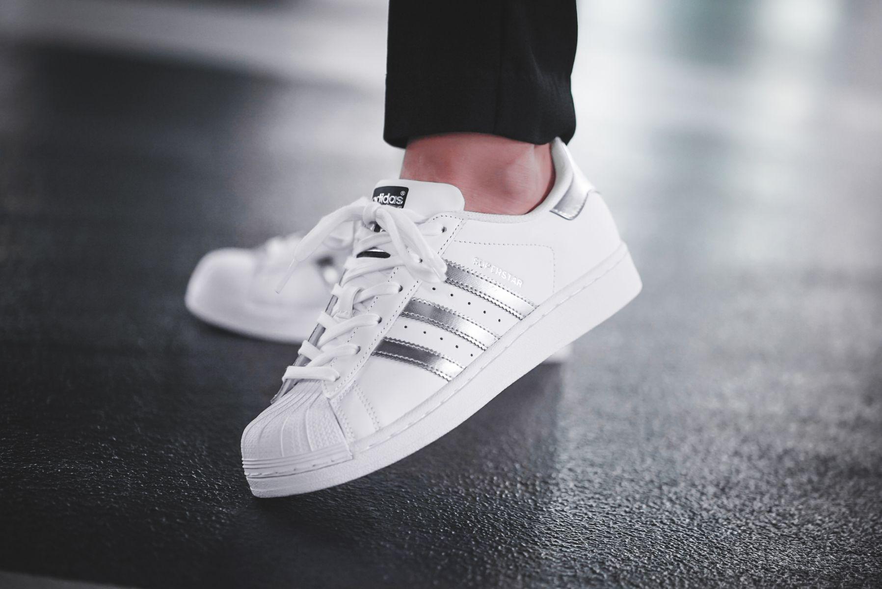 adidas superstar blancas outlet